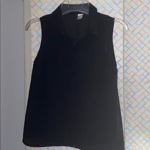 💕 H&M Sleeveless Black Button Up 💓